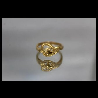 24k 24c - Vintage Heart Lucky Clover Ring w/ Frosted Finish in Pure Bright Yellow Gold