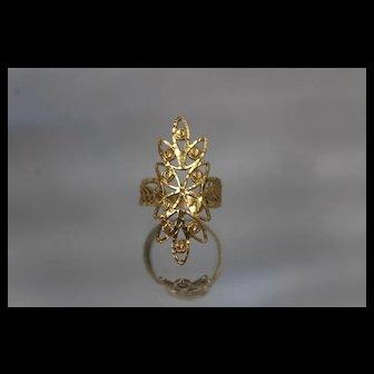 22k 22c - Vintage Diamond Cut Filigree Ornate Shield Ring in Bright Yellow Gold