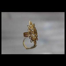 22k - Vintage Diamond Cut Filigree Ornate Shield Ring in Bright Yellow Gold