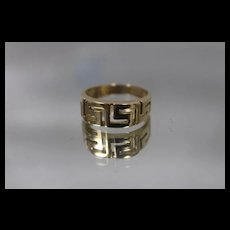 14k - Greek Key Band Ring with Cut Out Design in Yellow Gold