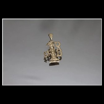 14k - # 1 Dad Wooden Style Pendant Wood Worker Hard Working Pendant Charm in Yellow Gold