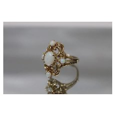 14k - 1.00 ctw - Opal Cluster in Brutalist Style Ring with Scalloped Design Cut out in Yellow Gold