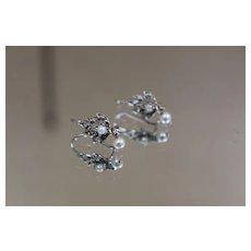 14k - Pair of Cute White Pearl Dangle Drop Earrings in White Gold