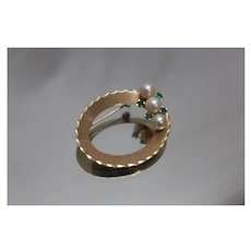 .25 CTW - 14k - Oval Emerald & Pearl Cutout High Quality Brooch / Pin in Yellow Gold