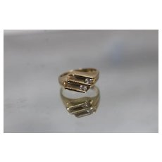 14k - .20 ct - Vintage Flat Top Channel Floating Diamond Ring in Yellow Gold