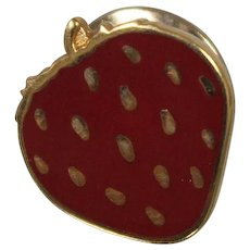 10k - Enameled Strawberry Fruit Pin Brooch in Yellow Gold