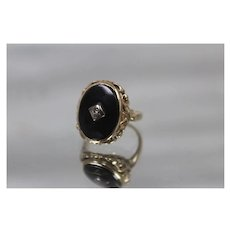 10k - Art Deco Black Onyx & Diamond Signet Style Ring with Detailed Scalloped Edge in Yellow Gold