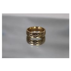 14k - Symmetrical X Design Ring Band Thumb Style in Yellow Gold