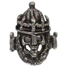 925 - Vintage Handmade Dead Soldier Crusader Skull Ring in Sterling Silver