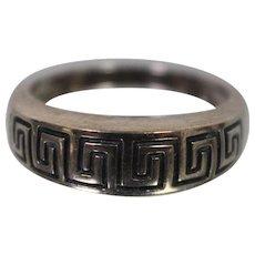925 - Vintage Raised Top Greek Key Maze Pattern Ring Band in Sterling Silver