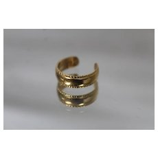 18k - Napkin Holder Style Open Ended Ring / Toe Ring in Bright Yellow Gold