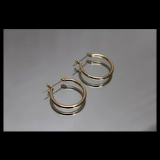 14k - Simple Minimalist Plain Hoops in Yellow Gold