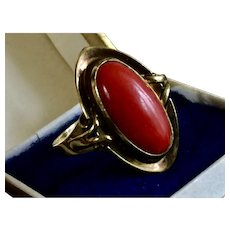 Natural blood red genuine aka coral ring 8k yellow gold 3.57 gr.