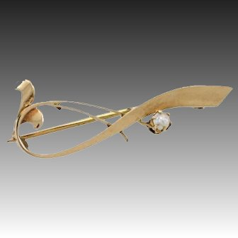 14k Gold brooch pin with pearl