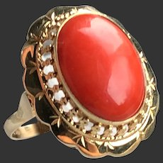 Antique 14k yellow gold natural coral ring