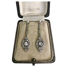 Exquisite Art Deco Earrings in Platinum , Diamonds and Natural Pearl