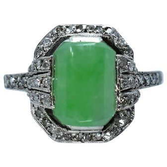 A Beautiful Art Deco Jadeite (Natural) and Diamond Ring in Platinum