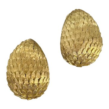 A Bold and Stylish Sculptured 'Dragon Egg' Earrings in 18ct
