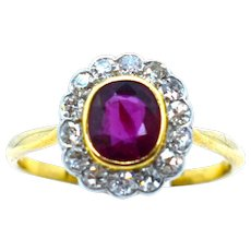 A Beautiful Diamond Cluster Ring with Natural Siam Ruby Ca1920/30