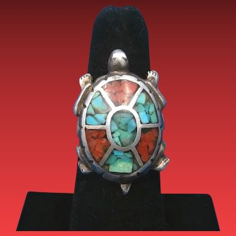 Vintage Navajo Turquoise & Coral Chip Inlay TURTLE Sterling Silver Ring – Size 5.5