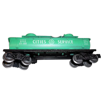 Vintage plastic Lionel Cities Service tanker 6045  in good condition.