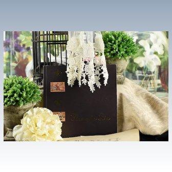 """Theriault's """"Fleur de Lis"""" Auction Catalogue"""