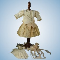"""Very Pretty 2-Piece Courtier Outfit for 16-17"""" Bebe"""