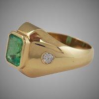 Elegant Gentleman Emerald and Diamond ring