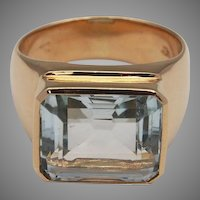 Elegant Man's Aquamarine Ring