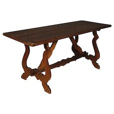 20th Century Italian Refectory Dining Table In Walnut And Chestnut Wood
