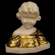 20th Century Belgian Sculpture in Marble And Gilt Bronze Child Bust Signed G. Van Vaerenbergh