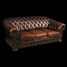 20th Century English Chesterfield Sofa In Leather