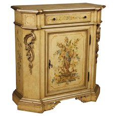 20th Century Italian Sideboard In Lacquered And Painted Wood With Floral Decorations