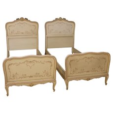 20th Century Pair Of Venetian Beds In Painted Wood With Floral Decorations