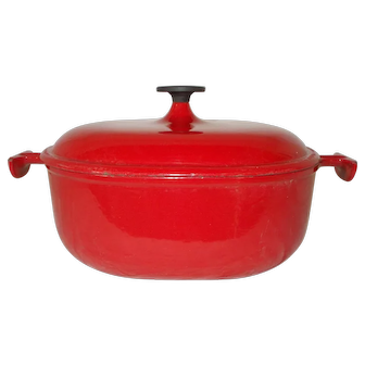 Le Creuset Cooking Pot Faitout with Lid, Oval Red Enameled Cast Iron Casserole Pot. Mid Century Dutch Oven. Ready to use. French Kitchen Cookware