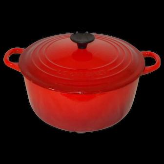 Le Creuset Signature Cast Iron Round Casserole, 22 cm - Cerise Cherry Red Le Creuset Dutch Oven, Enamel Cast Iron Casserole Pot. Near Mint