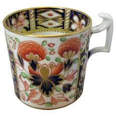 Antique Imari Pattern Coffee Can Early 19th Century.