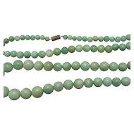 Burmese Jadeite Jade Bead Necklace Vintage c1930s.