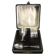 Boxed William Suckling Sterling Silver Napkin Ring Egg Cup Spoon Art Nouveau Birmingham 1922