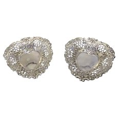 White Metal Pair Of Heart Shaped Dishes Vintage 20th Century.