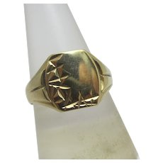 English 9ct Gold Signet Ring Vintage 1979