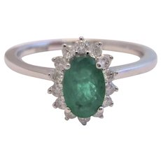 18k 18ct White Gold Diamond Emerald Ring Vintage c1990.