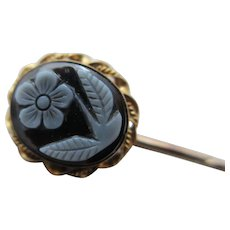 Forget Me Not Hardstone Cameo 9k Gold Stick Pin Brooch Antique Victorian Mourning Jewellery c1860.