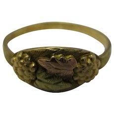 American 10k Gold Ring With Grape Decoration By Landstrom's Vintage c.1950.