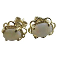 Fiery Opal 9k Gold Stud Earrings Vintage c1980.
