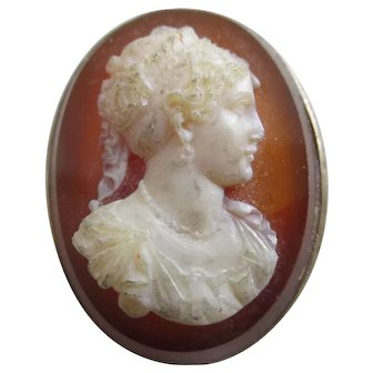 Hardstone Cameo in 9k Gold Brooch Pin Antique Victorian c1860.