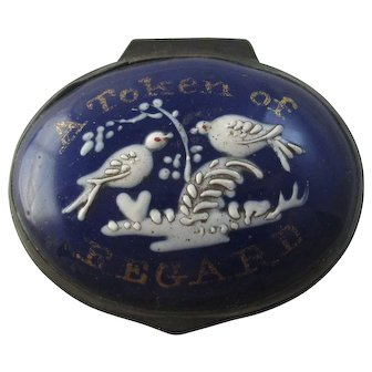 Pliny's Doves ' A Token of Regard ' Bilston Enamel Patch Box Antique Georgian c1790.