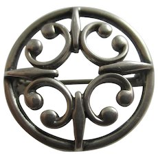 Ola M Gorie Sterling Silver Celtic Brooch Pin Vintage Scottish c1980.