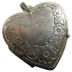 Forget Me Not Heart Sterling Silver Double Pendant Locket Vintage c1980.
