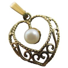Heart Pendant Charm 9k Gold with a Pearl Vintage English Hallmark 1973.